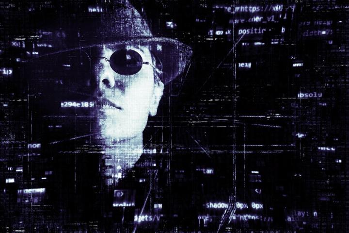 hacker-2077138_960_720